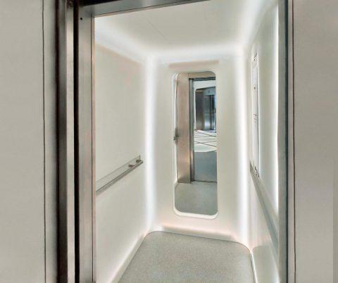 aménagement ascenseurs pierre acrylique Ile de France